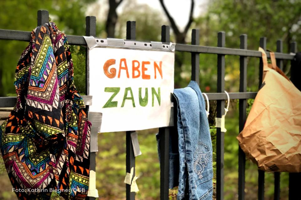 Gabenzaun während Corona-Krise in Berlin