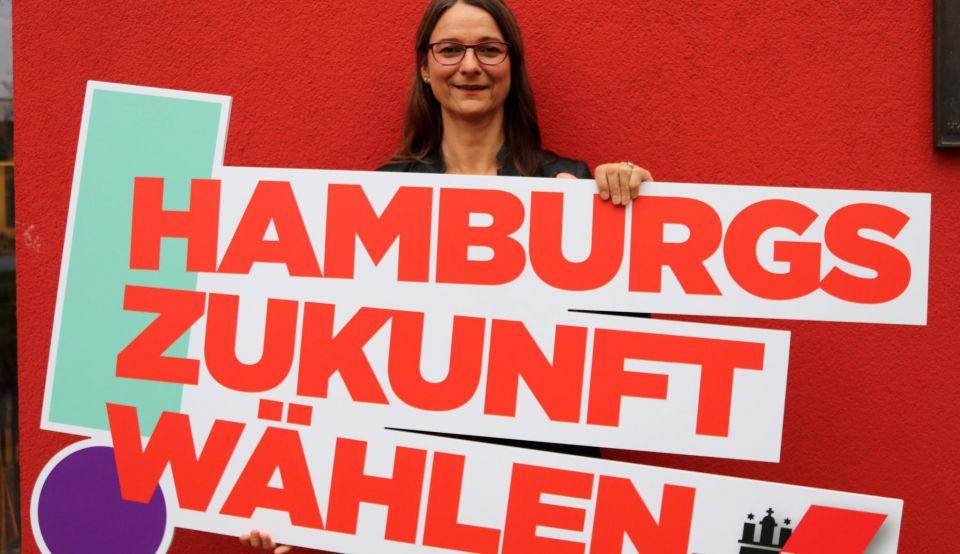 Bürgerschaftswahl in Hamburg: Katja Karger (DGB) präsentiert die Forderungen der Gewerkschafter/innen