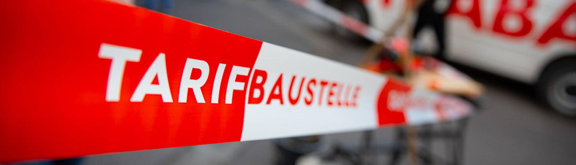 Tarifbaustelle: Aktion für Tarifbindung in Karlsruhe (Foto: DGB/Tim M. Carmele)