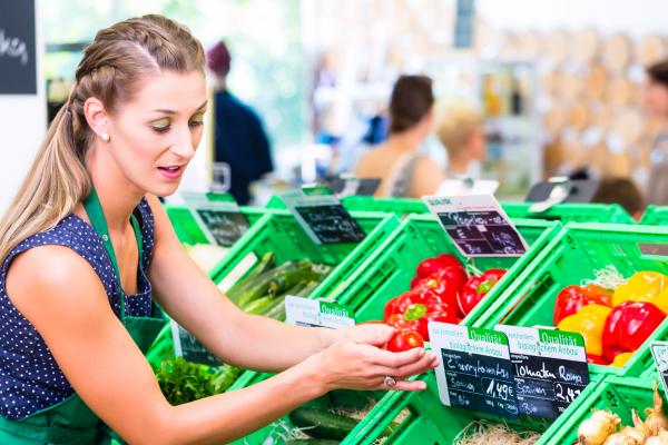verschiedene Gemüsearten im Supermarkt